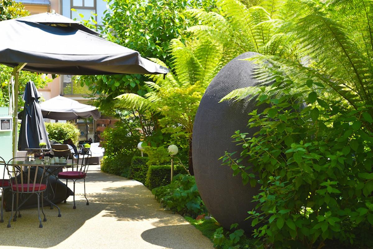 H tel renaissance paris le parc n2b arrosage for Jardin renaissance