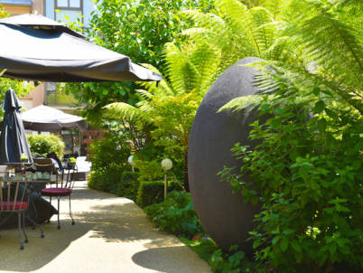 jardin hôtel renaissance Paris