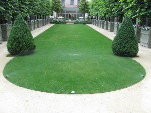 Arrosage de la pelouse du Ritz