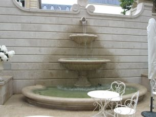 photo d'une fontaine de l'hôtel ritz